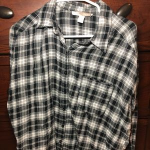 Forever 21 Tops - Black and white contemporary flannel size small